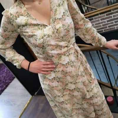 Robe longue à fleurs couleur pastel